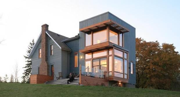 外墙很厚,可以抵挡酷热,常用外墙材料为灰泥,屋顶装饰很少,窗户较小图片