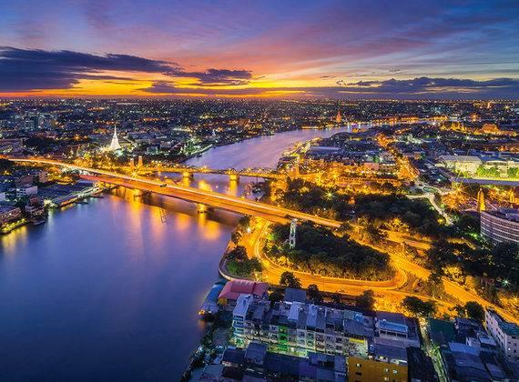 首付17万 曼谷CBD河景房