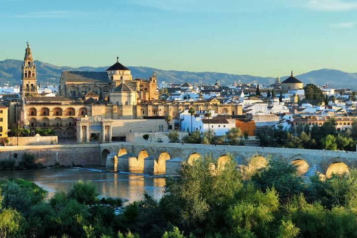 购房移民西班牙的四大理由、十大疑问